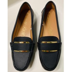 NEW Calvin Klein Women's leather loafers Size 11
